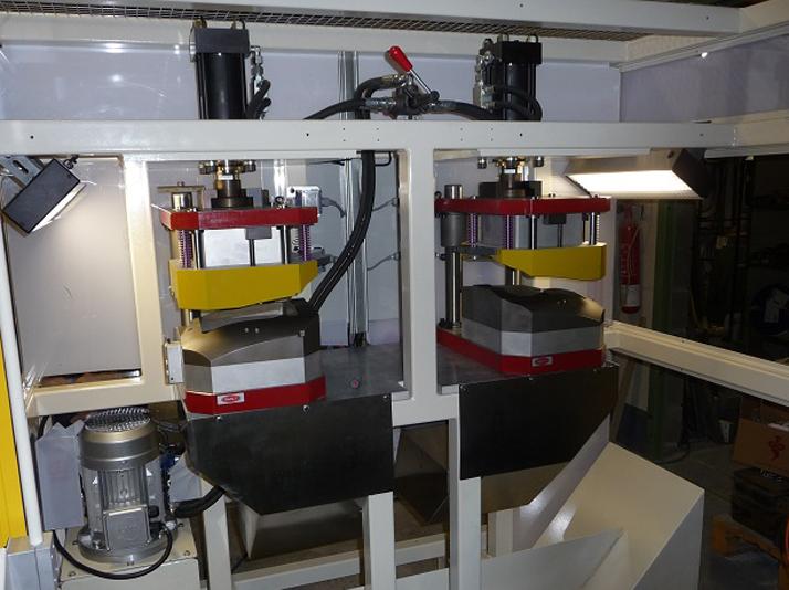 Machine de poinçonnage de passage de roues